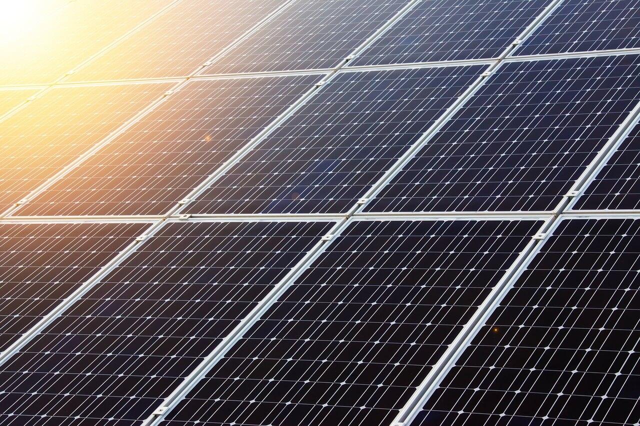 Zonne-energie goedkoper in bijna 60 landen