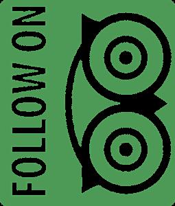 Verticaal geschreven 'Follow on' met uiltje van TripAdvisor