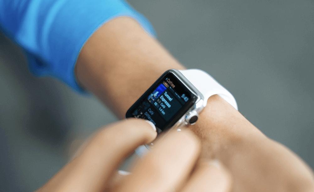 Apple Watch 4 om een pols