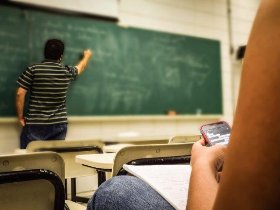 Generation Z - teenagers on social media