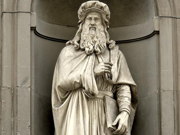 Statue Leonardo da Vinci
