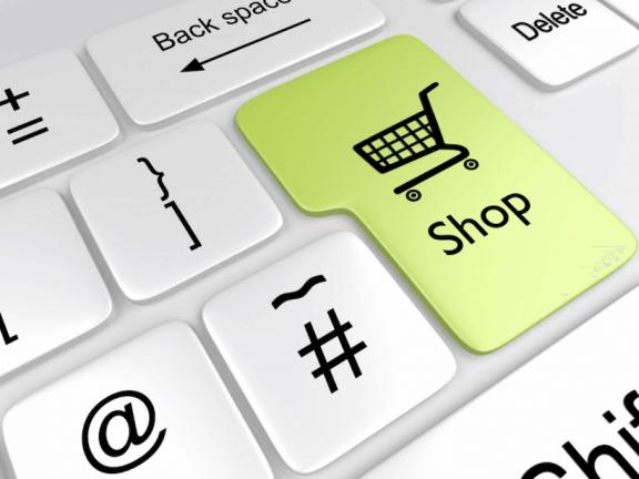 E-commerce trends: Toetsenbord met een grote toets waar 'Shop' op staat