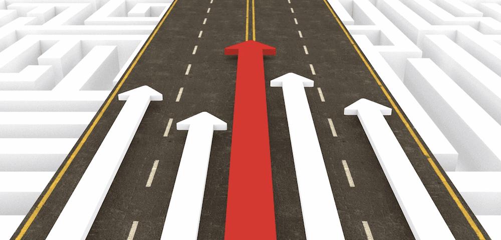 Growth hacking: pijlen op een weg