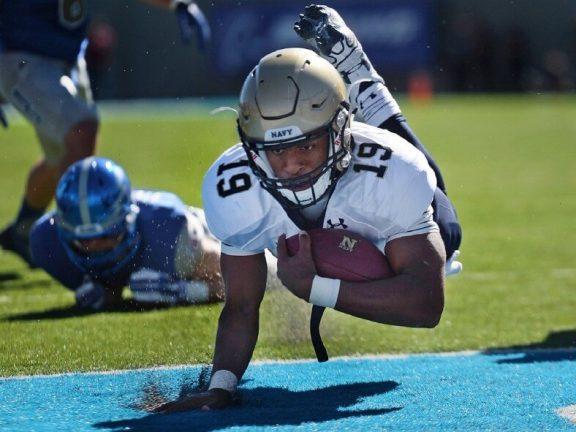 football scoring touchdown
