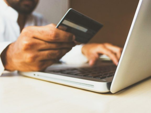 Dutch e-commerce companies benefit from online growth