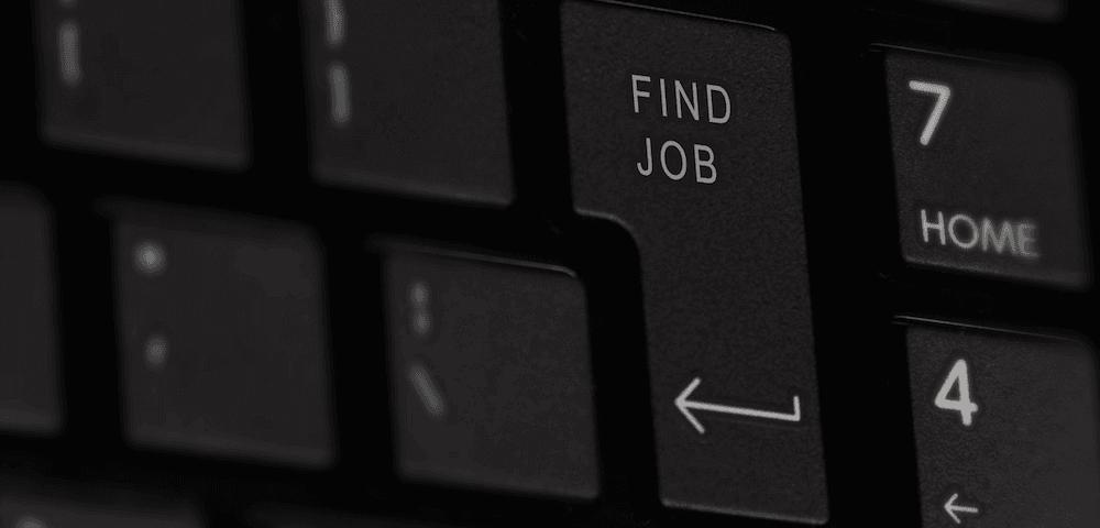 Een toetsenbord met de knop 'Find job'