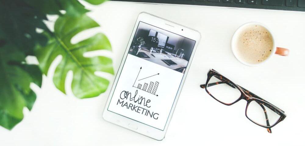 Online marketing specialist