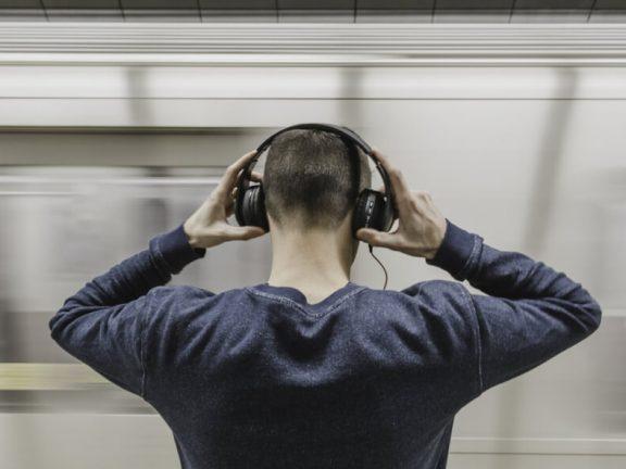 Zakelijke podcasts maken tips en hosting