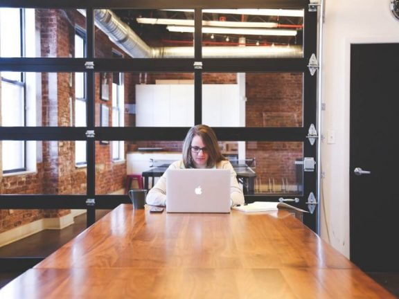 thuiswerken vs kantoorwerken